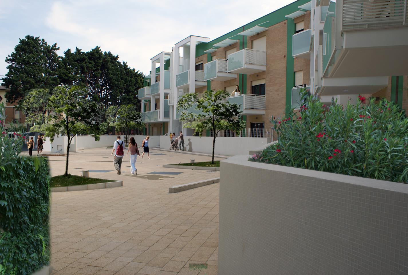 appartamenti-porto-san-giorgio-via-petrarca-corte-interna