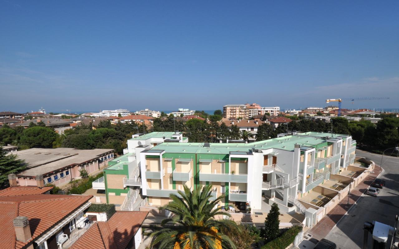 appartamenti-porto-san-giorgio-via-petrarca-dallalto-ovest